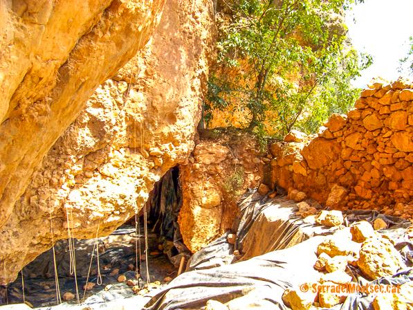 Jaciment de la Cova del Parco durant les excavacions. Alòs de Balaguer. La Noguera, Lleida. Catalunya. Montsec de Rúbies (o de Meià).