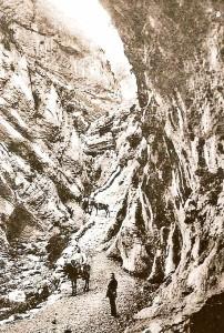 Antic Camí de l'Escala del Pas Nou que unia la Coma de Meià i el Pallars. Vilanova de Meià. La Noguera. Montsec de Rúbies o de Meià.