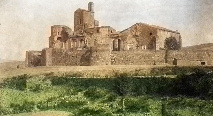 Fotografia colorejada de la Col·legiata i Castell de Sant Pere d'Àger (entre 1890 i 1910). Autor: Juli Soler i Santaló (1865-1914). Fons: Centre Excursionista de Catalunya.