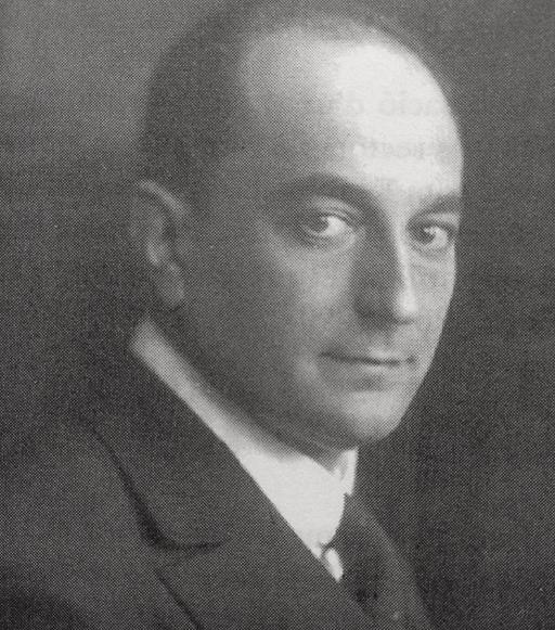 Esteve Terradas i Illa (1883 - 1950) fou doctor en Ciències Exactes i en Ciències Físiques; Enginyer de Camins, Canals i Ports; Enginyer Industrial (1909), i director de la Secció de Telèfons de la Mancomunitat de Catalunya.