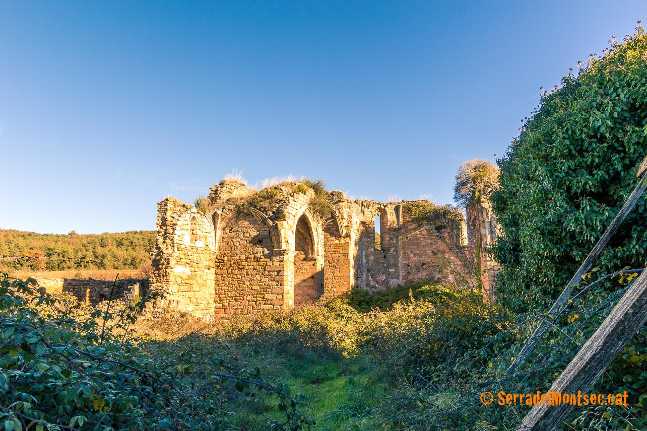 Ruïnes del Monestir de la Mare de Déu de Llinars, a la Vall de Llinars. Benavarri, Ribagorça. Osca, Aragó. Montsec de l'Estall.
