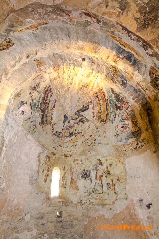 Restes de pintura barroca i renaixentista trobats casualment en una capella lateral de Santa Maria de Mur. Castell de Mur, Pallars Jussà. Lleida, Catalunya. Montsec d'Ares.