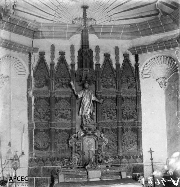 Fotografia de l'any 1900 del retaule policromat de Sant Feliu. Alòs de Balaguer. Any 1900. Autor: Lluís Marià Vidal. Arxiu Fotogràfic Centre Excursionista de Catalunya.